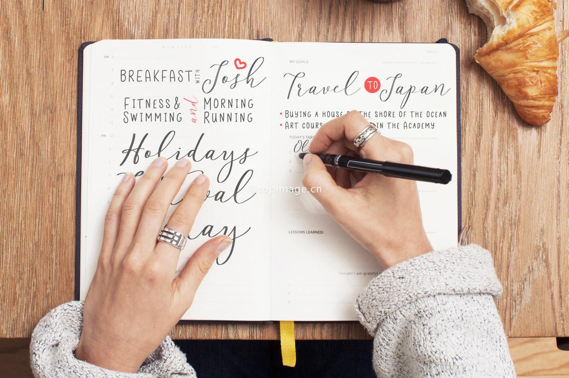 Justine手写笔刷个性英文字体下载(含图片中两种字体)